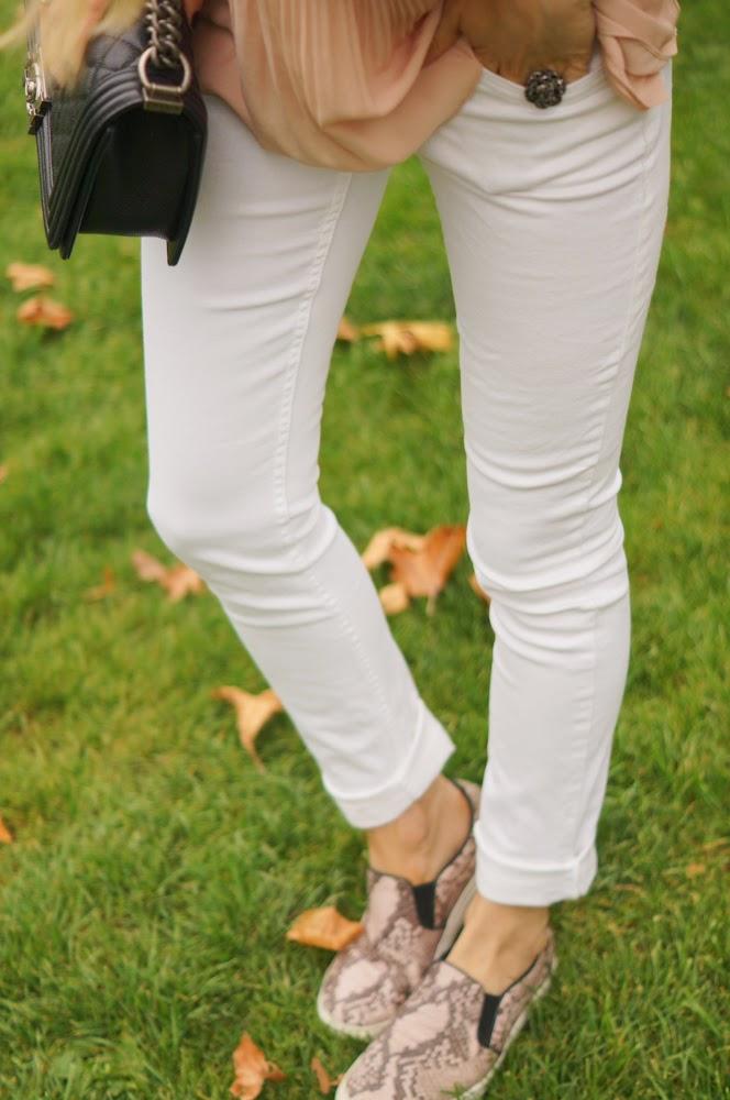 white jeans, nude, slipons, zara, chanel, chanel boy, cos, chic, paris, parisienne, streetstyle, eiffel tower, topshop