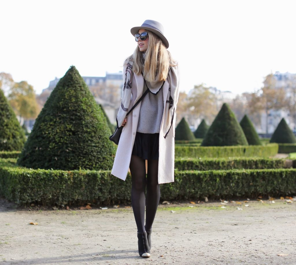 pink coat, zara, chanel, maison michel, isabel marant, céline, invalides, paris, soft colors, streetstyle, fashion blogger